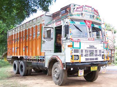 Camiones 'tuning' en India y Nepal