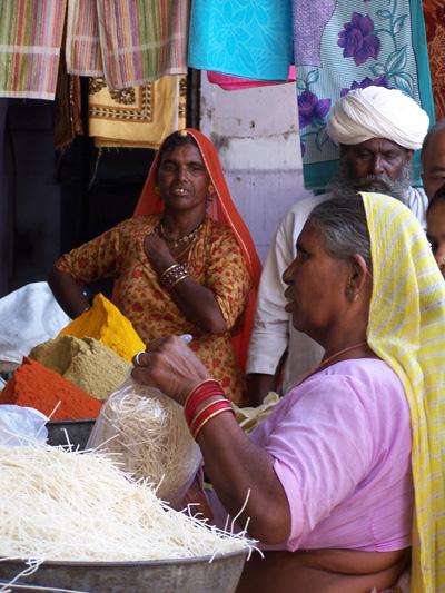 Mujeres en el bazar