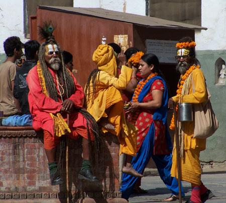 Sadhus en la plaza Durbar