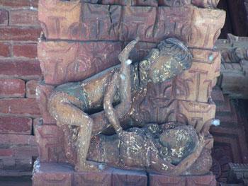 Friso erótico en Kathmandu