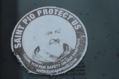 Que San Pio nos proteja