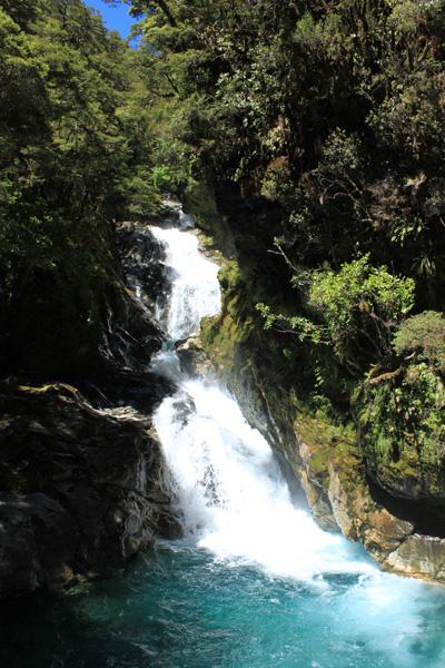 Sonido de cascadas durante la ruta