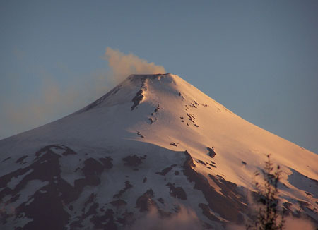 Volcán Villarrica humeando