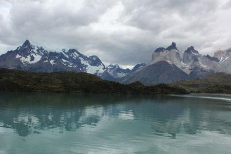 Cuernos del Paine desde el Lago Pehoé