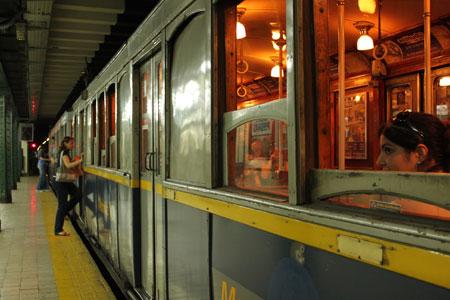 Vagones de tren de la línea A en Buenos Aires