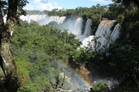 Arco iris en las Cataratas de Iguazú
