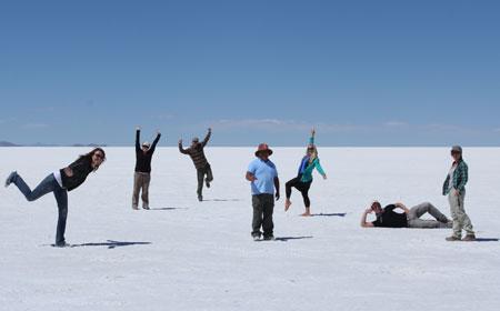 El equipo posturitas en el Salar de Uyuni