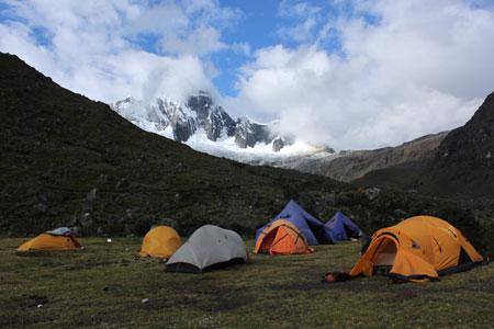 Campamento durante el trekking