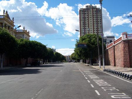Calle de pleno centro de Manaus durante un partido de Brasil